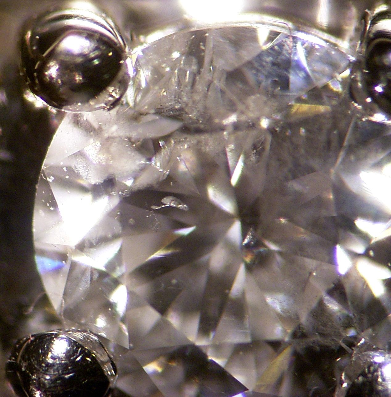 in diamonds the benefits good goldrausch information diamond investing of global